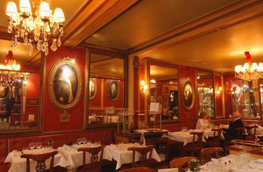 The zombie restaurants of paris alexander lobrano for Le miroir resto paris
