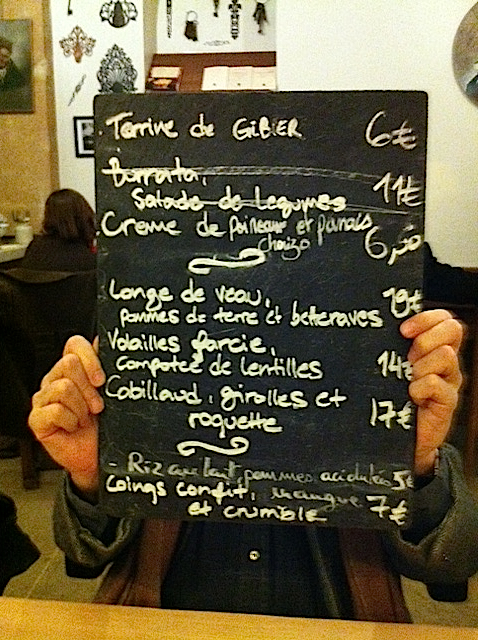 Cave-Insolite-Chalkboard