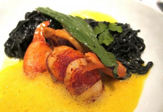 Instant-dor-lobster-black-pasta