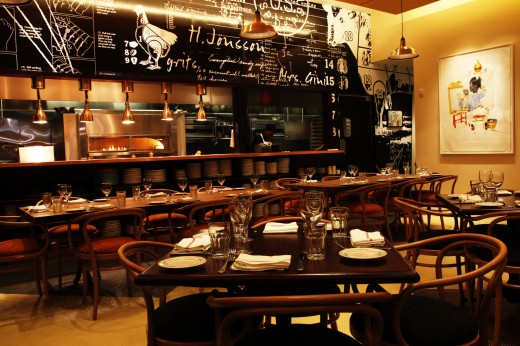 Red-rooster-dining-room