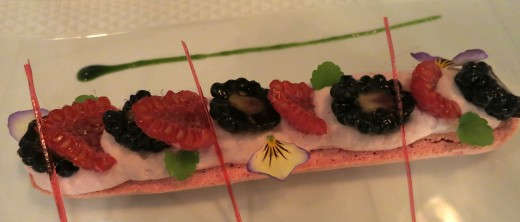 LES-CLIMATS-Red-fruit-dessert