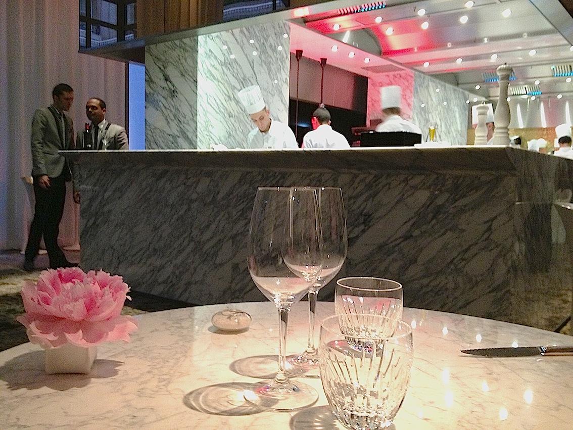 Deco Tonneau De Vin la scene, hotel prince de galles-exquisite contemporary