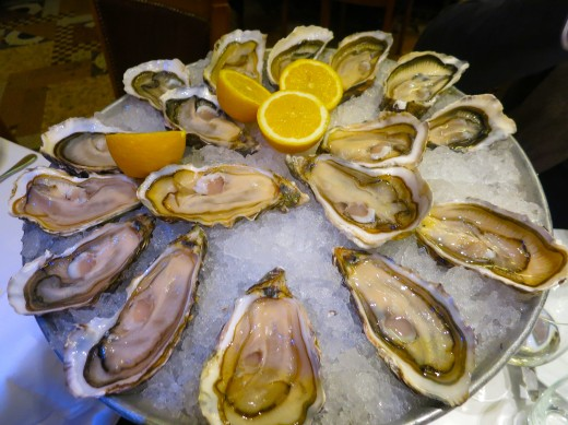 La Coupole - Oysters on tray