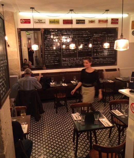 Le Bon Georges - Salle w:waitress