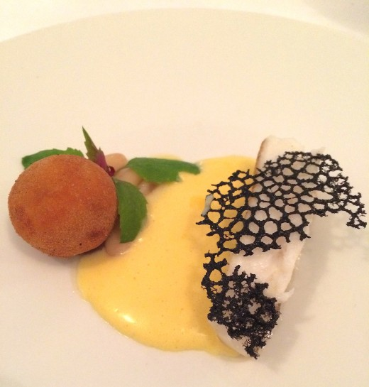 Pages - Fish w:yellow sauce black net