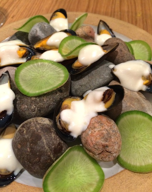 Clover mussels and radishes