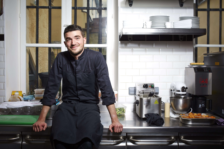 Jean Baptiste Lavergne Morazzani dans son restaurant La Table du 11