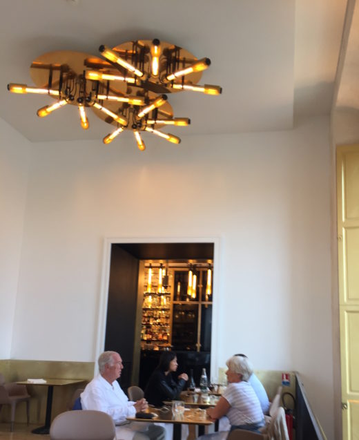 Ore restaurant, Versailles - Couple in Dining Room @Alexander Lobrano