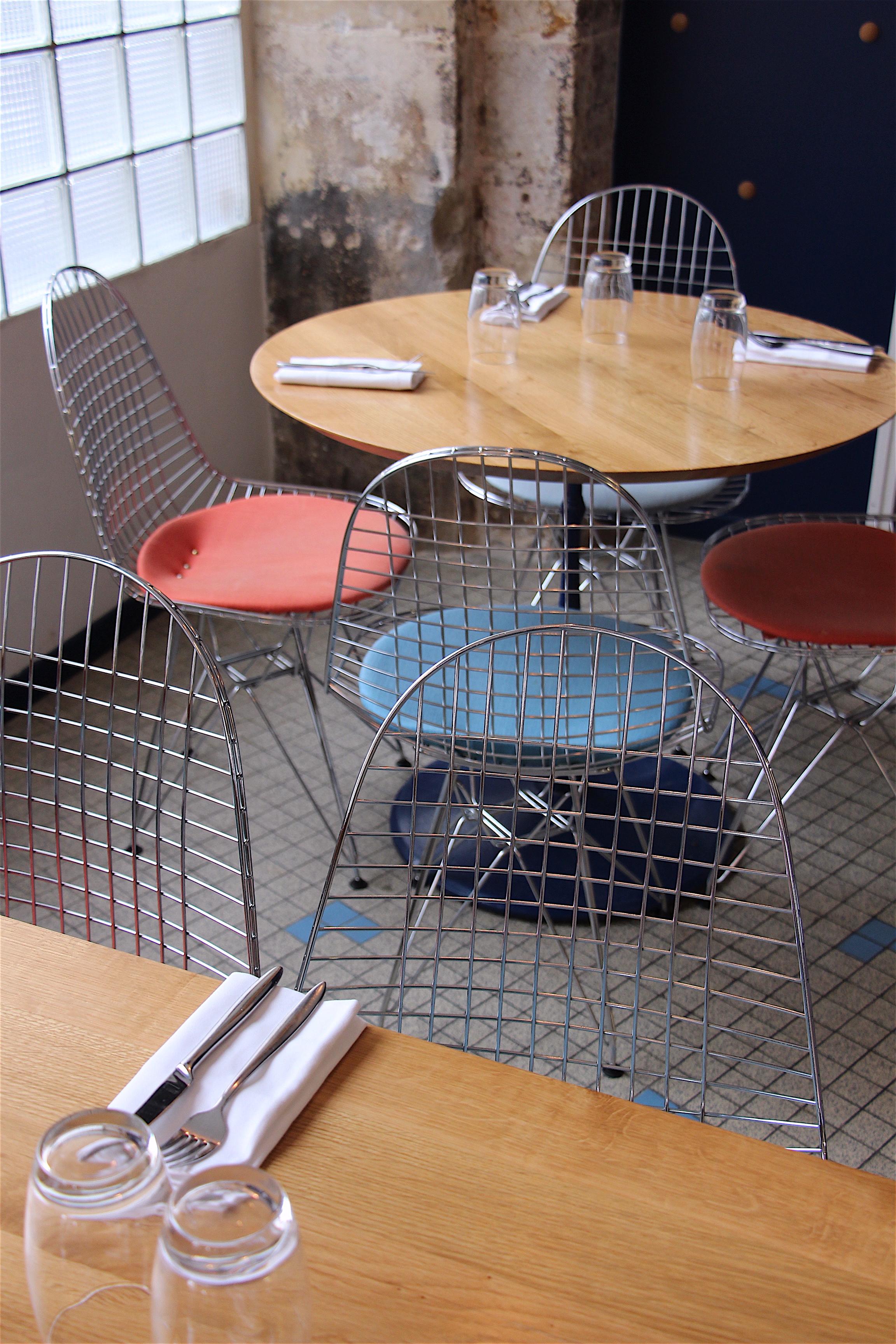 Fichon Paris A Good Catch In Montmartre B Alexander Lobrano # Table De Jardin Simply Market