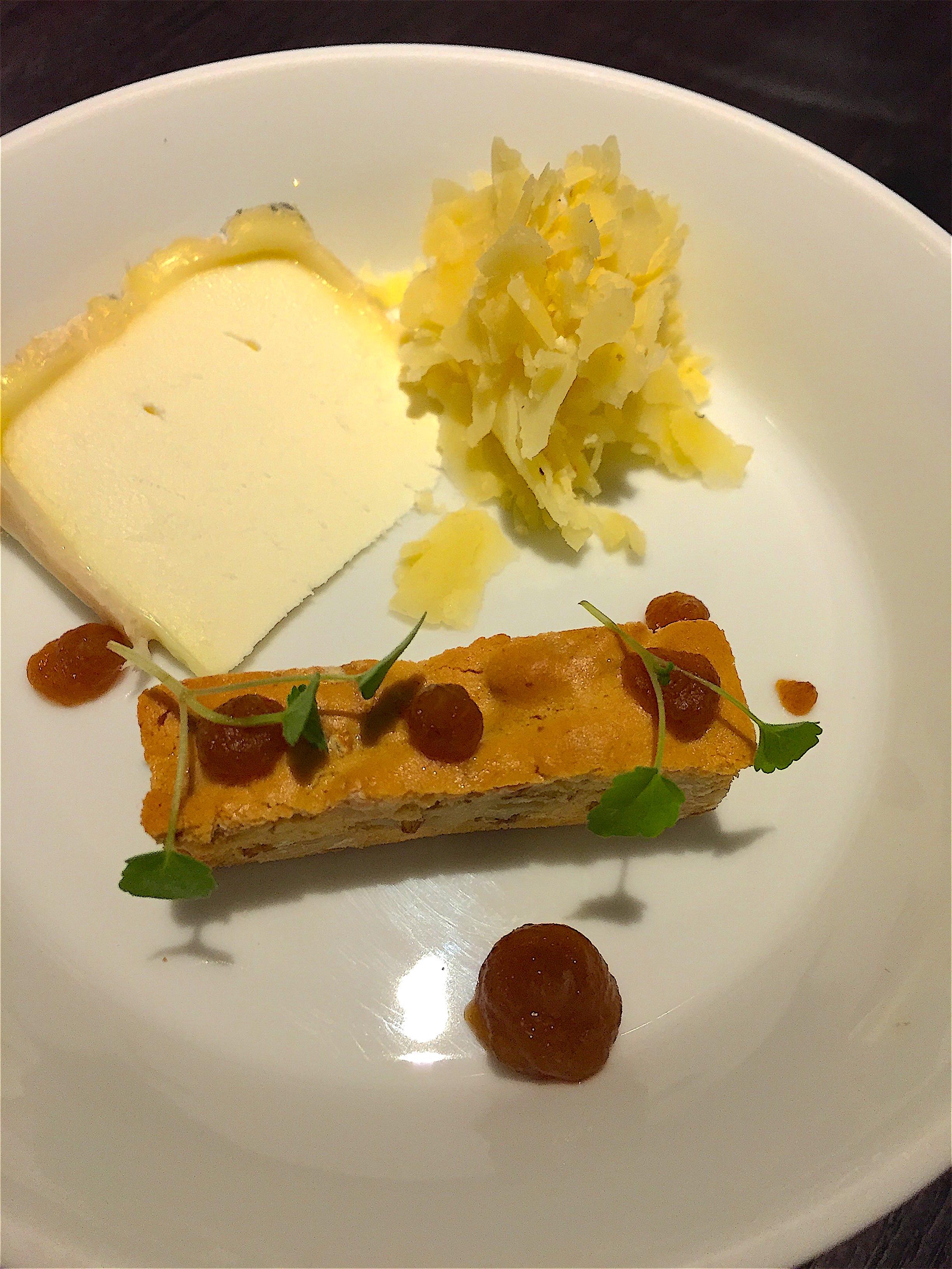Restaurant Alan Geeam - Cheese plate from Bernard Antony @Alexander Lorna