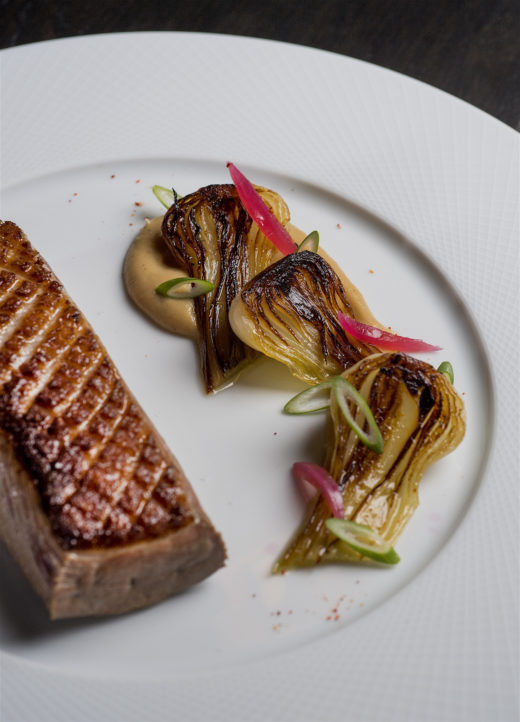Arnaud Nicolas - Roast duckling with onions @Anne-Emmanuelle Thion